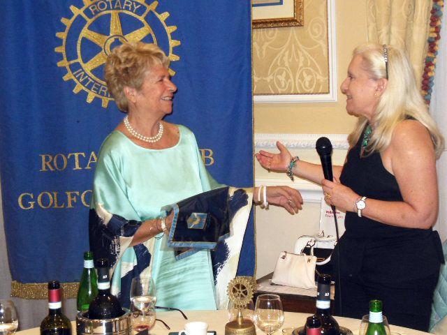 alessandra lancellotti Rotary golfo di Genova 14 giugno 2017 presentazione libro cambiamente con dr emma tomaselli e avv. carla caccamo